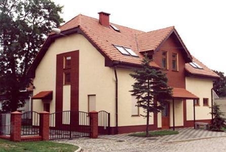 Tauron Dystrybucja S.A. ZAPRASZA do przetargu na sprzedaż prawa własności nieruchomości po byłym Pogotowiu Energetycznym, położonej w Rudnej, przy Placu Kościelnym 8, powiat lubiński